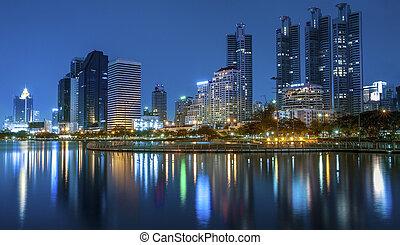 città, città, notte