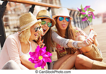 città, presa, amici, gruppo, selfie