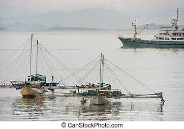 città, tradizionale, outrigger, isola, indonesia, labuan, nusa, ancorato, flores, bajo, barche, tenggara