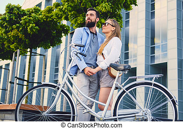 city., couple, après, date, tour bicyclette