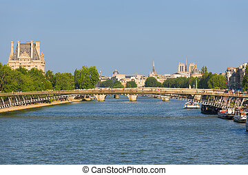 Cityscape of Paris in a sunny day