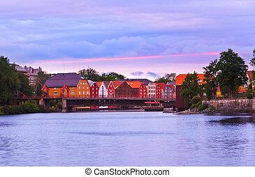 cityscape, trondheim, ondergaande zon , noorwegen