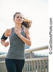 ciudad, jogging, mujer, joven, condición física