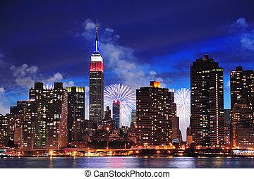 ciudad nueva york, manhattan, centro de la ciudad, en, anochecer