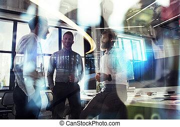 ciudad, partnership., concepto, empresarios, oficina., trabajo, moderno, juntos, trabajo en equipo, efectos, doble, luz, exposición