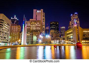 ciudad, perfil de dallas, reflejar, noche, vestíbulo, ...