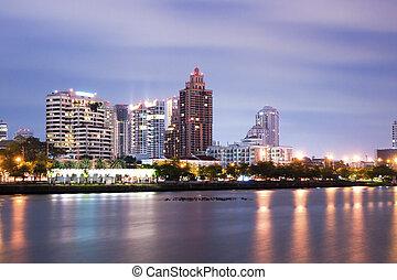 ciudad, reflexión, bangkok, céntrico, noche, bangkok,...