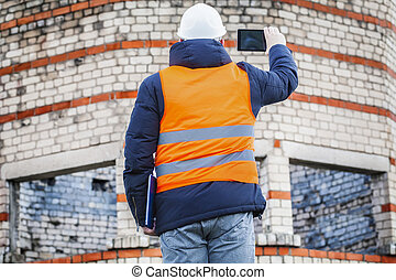 Civil engineer take pictures
