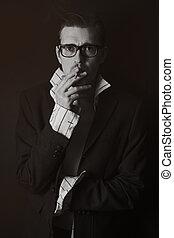 clássicas, jovem, cigarro, retrato, homem, óculos