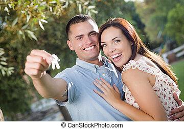 clés, maison, couple, nouveau, excité heureux