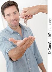 clés, maison, homme, nouveau, obtenir