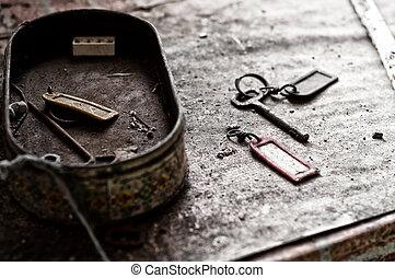 clés, vieux, abandonnés