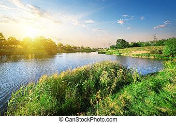 clair, coucher soleil, sur, rivière