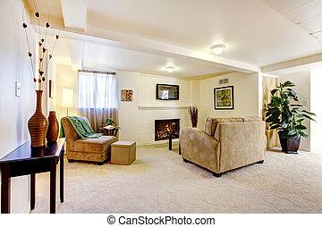 clair, sous-sol, salle de séjour, à, cheminée, et, sofa.