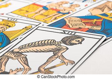 Clairvoyance tarot cards and death card - Clairvoyance tarot...