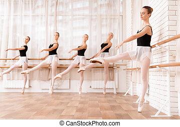 class., lány, balett, próbál, táncosok