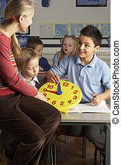 classe, école, primaire, enfants, prof, femme, temps, enseignement, dire