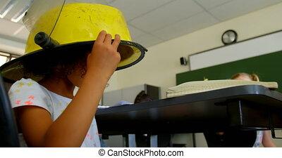 classe, écolière, école, pompier, casque, 4k, porter