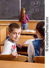 classe, élémentaire, leçon, élèves, pendant