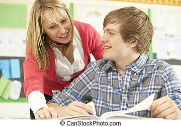classe, adolescent, étudier, étudiant, enseignant mâle