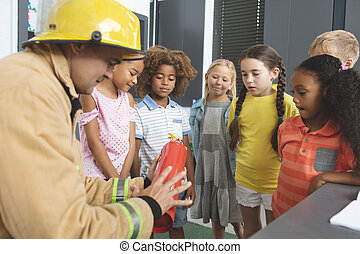 classe, brûler, école, extincteur, pompier, sur, gosses, enseignement
