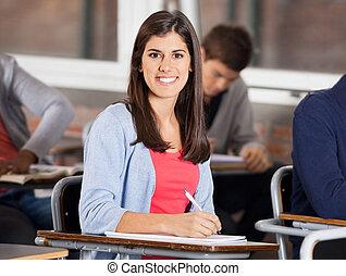 classe, bureau, étudiant, femme, séance