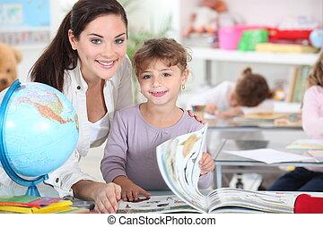 classe, petite fille, enseignante