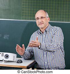 classe, prof, souris, projecteur, faire gestes
