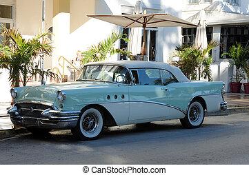 Classic American Car, Ocean Drive, Miami South Beach, Florida USA