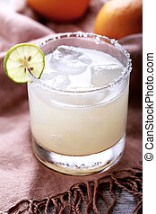 classic mexican margarita cocktail