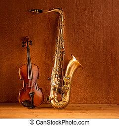 Classic music Sax tenor saxophone violin in vintage -...