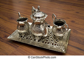 Classic Style Silver Kettle Set