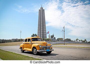Classic yellow DeSoto oldtimer car, Havana, Cuba -...
