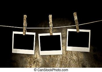 classieke, oud, polaroid, foto, gehouden, door, clothespins