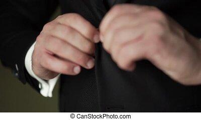 classique, jeune, veste, costume noir, mettre, homme