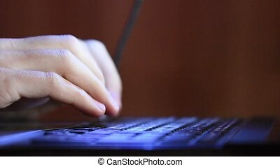 clavier, gros plan, dactylographie, ordinateur portable, mains