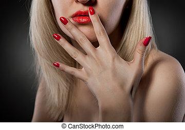 clavos, mujer, rojo