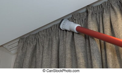 Clean the room with a vacuum cleaner - They clean the ...