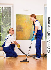 Cleaners with vacuum cleaner