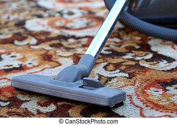 Cleaning carpet - Old vacuum cleaner