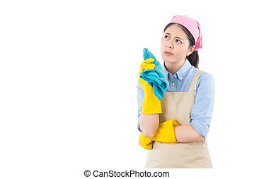 cleaning housewife think where to start