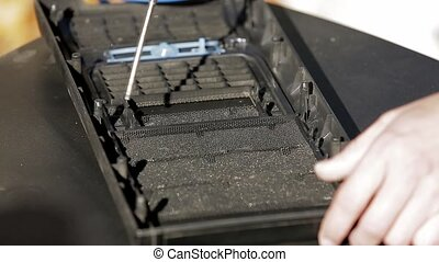 Cleaning the front cover of the computer - Cleaning the...