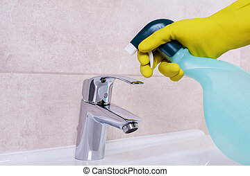 Cleaning the water tap