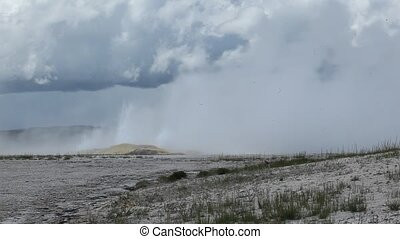 clepsydra, geysir, in, yellowstone