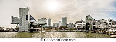 cleveland ohio city skyline daytime