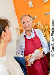 client, baguette, boulanger, servir