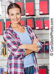 client, bras, matériel, confiant, traversé, magasin