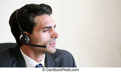 client, centre, conversation, agent, appeler