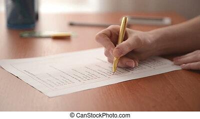 client, formulaire, main femme, remplissage, vidéo, enquête