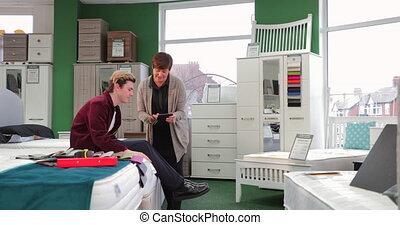 client, magasin, assistance, meubles